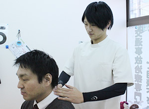頚椎捻挫治療風景